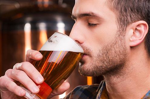 Estudo avalia os diferentes comportamentos em relação ao consumo de bebidas alcoólicas